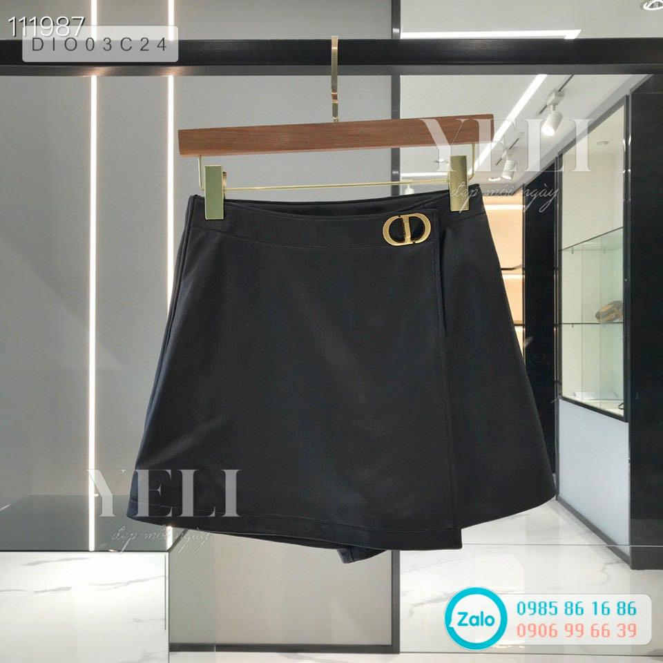 [ORDER] Dior WRAP-FRONT SHORTS WITH 'CD' BUCKLE