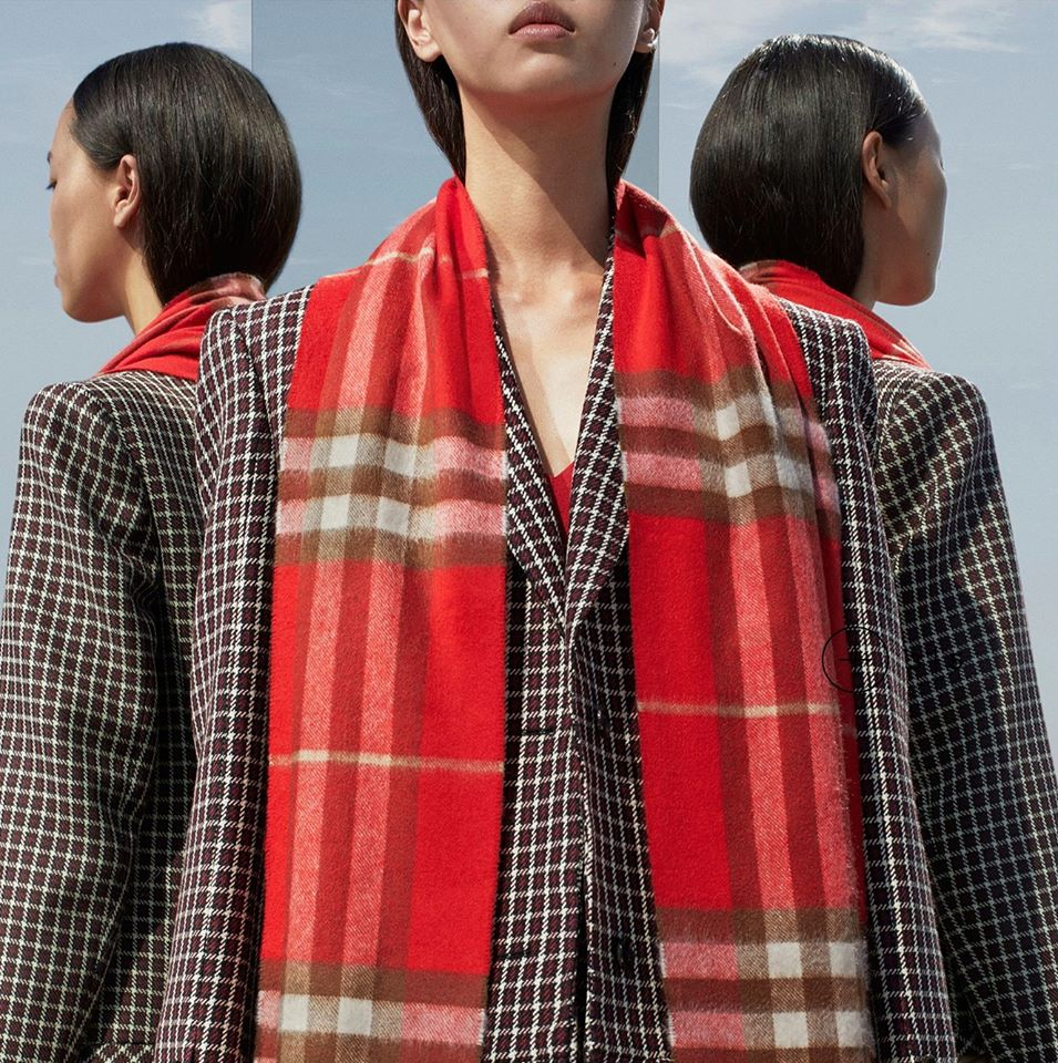 [ORDER] Burberry The Classic Check Cashmere Scarf